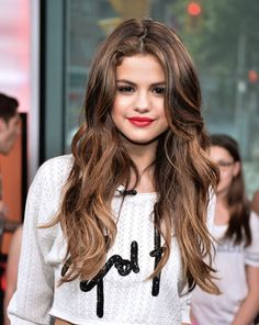 Selena Gomez caramel highlights