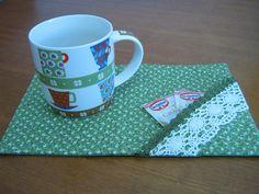 Mug Rug by Zion Artes por Silvana Dias, via Flickr