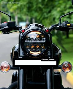 The next best thing between a man's legs – Royal Enfield. Enfield Bike, Enfield Motorcycle, Motorcycle Style, Women Motorcycle, Bobber Motorcycle, Motorcycle Design, Royal Enfield Thunderbird Modified, Royal Enfield Modified, Royal Enfield Logo