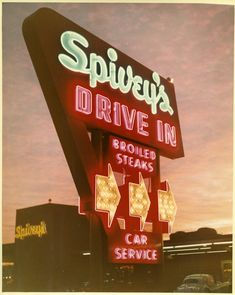 Image of the large lit road sign of the Mountain View, California, Spivey's Drive-In Diner. Creator/Contributor: Del Carlo, Arnold Date: circa Contributing Institution: Sourisseau Academy for State and Local History Vintage Neon Signs, Restaurant Signs, Old Signs, Googie, Advertising Signs, Street Signs, Neon Lighting, Tool Design, Signage