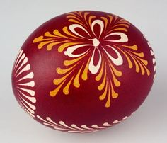 South Bohemian Easter egg/ Also Lemko style egg from Ukraine. Polish Easter, Easter Egg Designs, Ukrainian Easter Eggs, Coloring Easter Eggs, Egg Art, Egg Decorating, Spring Crafts, Easter Crafts, Happy Easter