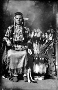 Native American Pictures, Native American Artwork, Native American Tribes, Native American History, Canadian History, Sneak Attack, Navajo, Native Indian, First Nations