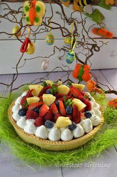 Il piccolo per il giorno di pasqua ha chiesto la torta con la cioccolata e la frutta fresca...  e da brava mamma l'ho accontentato!!!  E co...