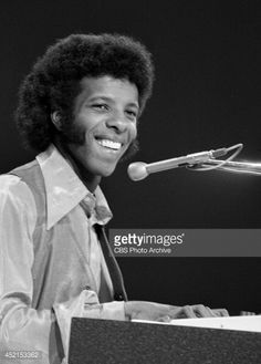 Sly Stone of the band, 'Sly and the Family Stone' at rehearsal for a television appearance, October Kinds Of Music, Music Is Life, Sly Stone, Heart Sounds, The Family Stone, Soul Train, Soul Funk, Motown, Record Producer