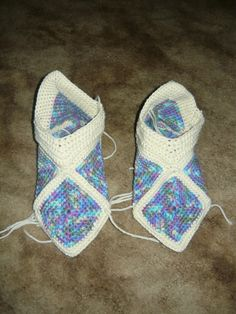 Ravelry: 12 Squares = 1 pair slippers by Ateljé Bohemian