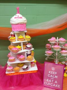 Cupcakes at a cupcake party #cupcake #party
