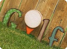 Helpful Golf Tips That Make You Better. Photo by D-Stanley Not sure what golf is all about? Do you tell yourself that this game is silly or a waste of time because you don't understand how to pla Thema Golf, Wooden Block Letters, Sign Letters, Golfball, Golf Crafts, Golf Room, Golf Party, Putt Putt, Diy Décoration