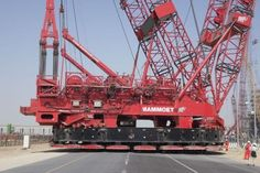 Videos: The World's Biggest Super Cranes