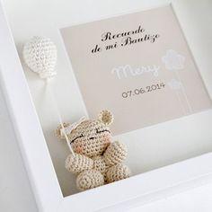 Cuadro de Bautizo Crochet Box, Love Crochet, Ideas Bautizo, Baby Shower Deco, Baby Frame, Box Frames, Baby Accessories, Baby Toys, Nursery Decor
