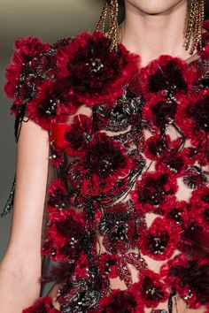Marchesa Fall 2015 Runway Pictures - StyleBistro