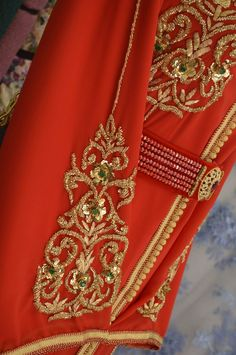 Zardosi Embroidery, Hand Embroidery Dress, Beaded Embroidery, Morrocan Dress, Moroccan Caftan, Tambour Beading, New Blouse Designs, Caftan Dress, Sweet Dress