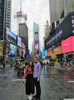 La gran manzana 🍏 MMar y Victor nos pasan esta foto desde Nueva York, uno de los destinos más solicitados, combinando con el relax de una playa paradisíaca.  Gracias por compartir vuestros momentos felices con nosotros 😍 #NYC #Lunademiel #viajedenovios #relax #playaparadisiaca #pareja #amor Times Square, Relax, Nyc, Travel, Love, Paradise Beaches, Happy Moments, Honeymoons, Caribbean