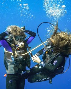 Computer 455 Scuba Wetsuit, Diving Wetsuits, Diving Suit, Scuba Diving Gear, Scuba Diving Certification, Mermaid Cove, Scuba Girl, Womens Wetsuit, Snorkeling