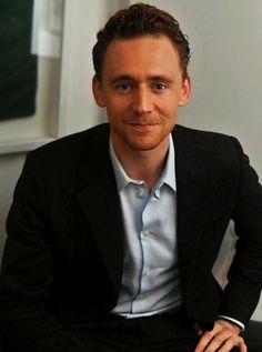 Tom Hiddleston looks so devilishly handsome here!!