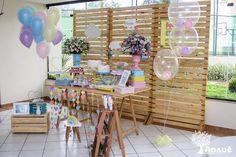 Um tema especial para um momento ainda mais especial: no chá de bebê da Mariana, choveu amor! A Anauê criou uma decoração com direito a ...