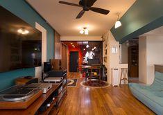 音楽が趣味の家 Conference Room, Table, Furniture, Home Decor, Decoration Home, Room Decor, Meeting Rooms, Tables, Home Furnishings