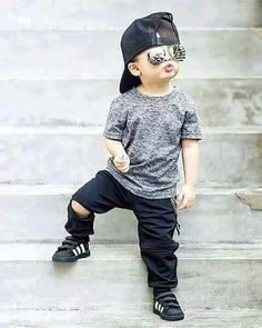 New Stylish Little boy attitude pic Collection - All In One Only For You (Aioofy) Toddler Boy Fashion, Little Boy Fashion, Toddler Boy Outfits, Fashion Children, Baby Boy Dress, Baby Boy Swag, Stylish Little Boys, Stylish Kids, Stylish Baby Boy
