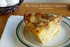 This slow cooker breakfast casserole with hash browns is a family favorite, hearty and delicious, 261 calories, 7 Weight Watchers Points Plus