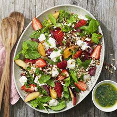 Matvetesallad med nektarin och mozzarella | Coop Mozzarella, Cobb Salad, Food, Grilling, Essen, Meals, Yemek, Eten