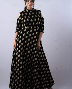 Black Zari Gown This heavy black zari embroidered gown with black velvet fabric and cold-shoulder pattern on sleeves. This beautiful black zari gown. Gowns For Rent, Black Velvet Fabric, Pink Peacock, Anarkali Gown, Renting, Designer Gowns, Zara Dresses, Cold Shoulder, What To Wear