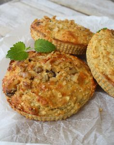 Zucchini & basil muffins - Muffins don't have to be all buttery and sugary. They can be a delicious way to encourage and introduce vegetables and herbs to fussy eaters. Baby Food Recipes, Great Recipes, Whole Food Recipes, Cooking Recipes, Favorite Recipes, Toddler Meals, Kids Meals, Family Meals, Toddler Food
