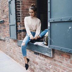 desperately trying to find a sweater like this