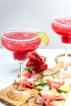 Mint Watermelon Margarita is a super fresh happy hour cocktail. Made with fresh lime juice and agave nectar, it is a skinny margarita too.