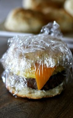 These sausage egg and cheese biscuits are my absolute favorite freezer meal breakfast sandwiches. So easy to put together and make for a quick and yummy breakfast. Use precooked sausage patties! Frozen Breakfast, Make Ahead Breakfast Sandwich, Healthy Breakfast Muffins, Homemade Breakfast, Breakfast Burritos, Breakfast Time, Breakfast Casserole, Breakfast Ideas, Frozen Hashbrown Recipes