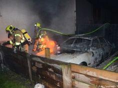 PKW-Brand droht auf Wohnhaus überzugreifen http://www.feuerwehrleben.de/pkw-brand-droht-auf-wohnhaus-ueberzugreifen/ #feuerwehr #firefighter #ratingen