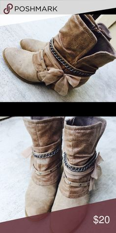 Winter Sale! Adorable warm ankle booties! These little beige/tan cuties are so comfortable!! Fit 7 to 7 1/2 maybe even 8! Cutest with skinny jeans or leggings! Awesome accessories feminine features on the side!! Shoes Ankle Boots & Booties