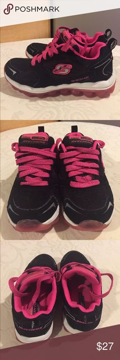 Girls sketchers air bizzy bounce size 11 Girls sketchers air bizzy bounce size 11 gently worn Skechers Shoes Sneakers