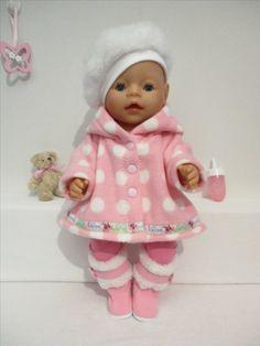 Een mooi jasje voor Baby Born Girl: Rosalin Poppenmode