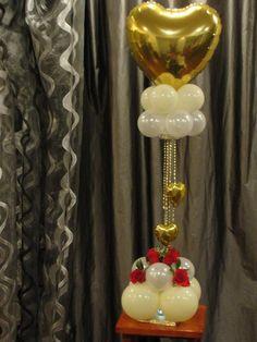 Balloon column with a heart.  #balloon-column #balloon-decor #balloon-wedding-decor #balloon-wedding-column