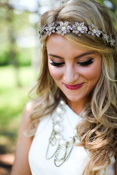 love the headband~ for the bridesmaids w/their hairdo!!! adds a #touchofprincess feel to it #disneydreamwedding :) #love it