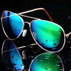 ab92dc87c9cb3 Film anti-lustre classique lunettes de soleil en gros coloré lunettes de  soleil rétro 3025