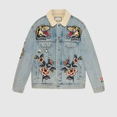 Gucci Oversize denim jacket with patches - Gucci Jacket - Ideas of Gucci Jacket - Jeans Gucci, Gucci Jean Jacket, Jean Jacket Outfits, Denim Outfit, Men's Jeans, Denim Jacket Patches, Denim Jackets, Casual Jackets, Jean Jackets With Patches