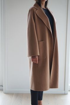 We've created the perfect coat for you. A classic timeless design made of organic cashmere. Fall Fashion Trends, Autumn Fashion, Fashion Ideas, Fashion Inspiration, Camel Coat Outfit, Cashmere Coat, Wool Coat, Coats For Women, Womens Fashion