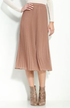 Trouve pleated ballet skirt.  I think I might have to get this when I go to work Tuesday.