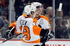 Claude Giroux, Danny Briere sign with Germany's Eisbären Berlin - I'm so glad I'm living in Germany at this moment!!