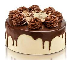 Especialidade Libe Confeitaria: Torta Bombom - recheio de creme de chocolate, nata com doce de leite e bombom; pão de ló de chocolate; coberta com ganache branco e bombom