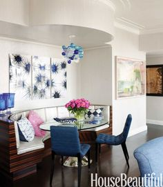 "<p>""The Color Whisperer"" Amanda Nisbet tucked a Macassar ebony banquette into the open room of a <a rel=""nofollow"" href=""http://www.housebeautiful.com/design-inspiration/house-tours/g1943/blue-manhattan-apartment-0314/?slide=3"">New York apartment</a>. Moore & Giles Cleopatra leather cushions have a shimmery glamour, and an antique bubble chandelier is a whimsical note. Resource Furniture side chairs are covered in Nobilis Filomena. Julian Chichester Dakota table. Chris Leidy triptych…"