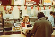 At a McDonald's store in the - vintage everyday: Old McDonald's – Historical Photos of the Biggest Fast Food Brand in the World Since Established Till the Yvonne Craig, Priscilla Presley, Carrie Fisher, Saturday Night Live, Batgirl, 1980s Looks, Nostalgia, Epic Photos, 1980s