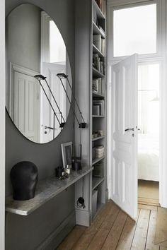 Gestaltungsideen Flur runder spiegel ohne rahmen graue wandfarbe