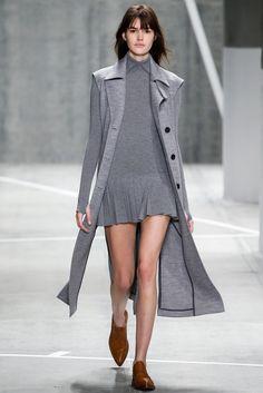Lacoste Fall 2015 Ready-to-Wear Collection Photos - Vogue Uñas Fashion, Fashion Week 2015, Sport Fashion, Runway Fashion, High Fashion, Fashion Show, Womens Fashion, Fashion Design, Lacoste