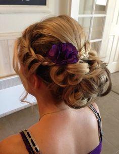 Hair style-really pretty with a flower Creative Hairstyles, Pretty Hairstyles, Easy Hairstyles, Hairstyle Ideas, Hair Heaven, Hair Affair, Bad Hair Day, Bridesmaid Hair, Hair Dos