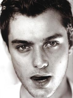 Jude Law, stunning picture