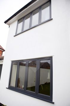 Front Window Design, House Window Design, Main Door Design, Bungalow House Design, Upvc Sash Windows, Casement Windows, House Windows, Windows And Doors, Anthracite Grey Windows