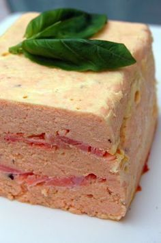 Terrine de saumon : salmon terrine with fresh and smoked salmon. Fish Recipes, Low Carb Recipes, Great Recipes, Cooking Recipes, Favorite Recipes, Salmon Terrine, Tapas, Appetisers, Fish Dishes