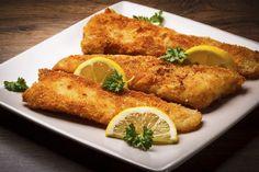 Ingrediente: 4 bucăţi file de macrou (sau orice alt peşte), 2 ouă, 6 linguri de pesmet, ulei pentru prăjit, o lămâie, sare si piper după gust. Mod de preparare Bucăţile de peşte se spală, se usucă cu un prosop absorbent de hartie, se dau cu sare, piper, se stropesc cu putină zeamă de la o …