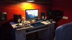 Once again we've been inundated with your fantastic studio pictures that we've collected together in our latest #showoffyourstudio roundup